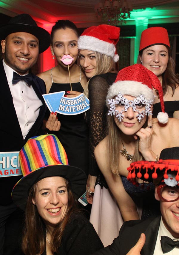 Xmas Magic Mirror Hire in Surrey from Animation Events LTD